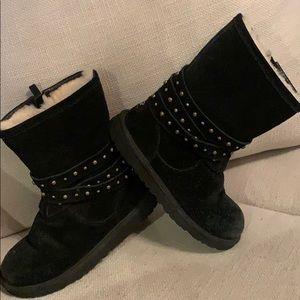 Ugg kids black boot w/ side zip & studding size 4